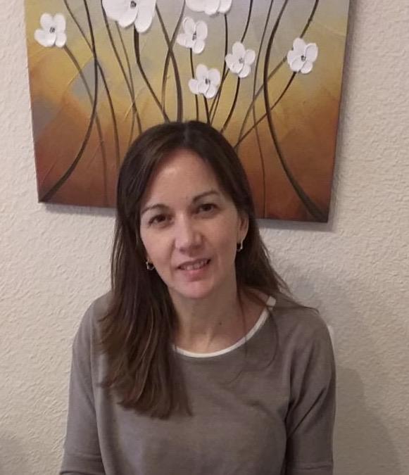 Dña. Graciela Álvarez